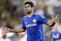 Costa bermain dengan kasar