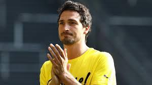 Dortmund persilahkan Hummels pergi