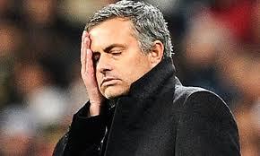 Banyak orang yang sangat senang melihat pelatih Chelsea menderita