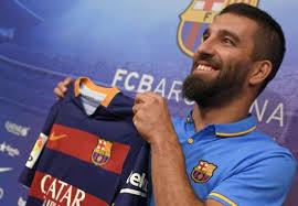 Messi berikan nomor punggungnya kepada Arda Turan